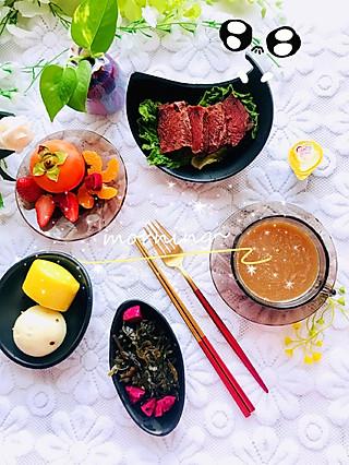 筝上神的暗黑色餐具来一组吧~传统中式早餐加了咖啡☕哦…快手一锅蒸