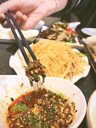 姜蜜条的【姜蜜条美食地图】一份米线,坚定了我的云南之行