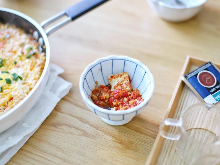 喵の早餐   有哪些用米饭做的好吃料理?第六款番茄炖饭窝蛋图3