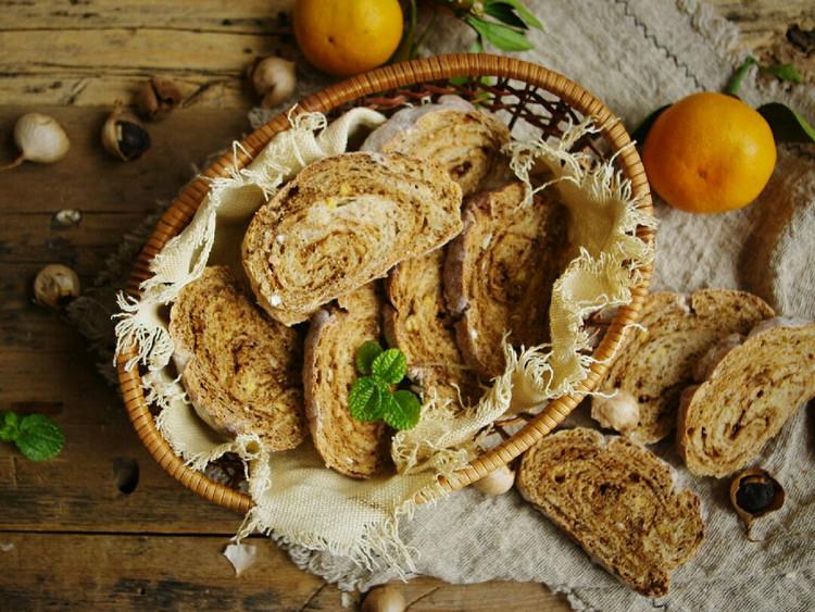 健康养生的黑蒜面包图2