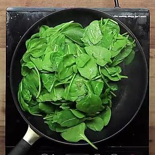 板刀面与馄饨汤的简单料理