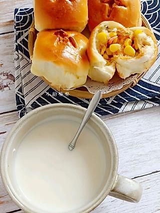 小厨蔡蔡的肉松玉米粒沙拉酱咸口小面包