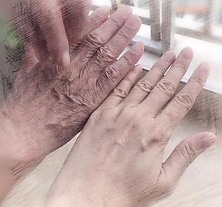 宁静嘟嘟的父与女的手