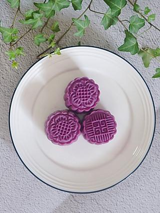 爱下厨的春天的紫薯奶黄拉丝月饼