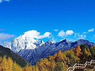 白白不想吃饭饭的四姑娘山的秋是油画般的美好,真的好去处