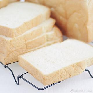 爱新觉罗_金金的关于淡奶油土司的早餐
