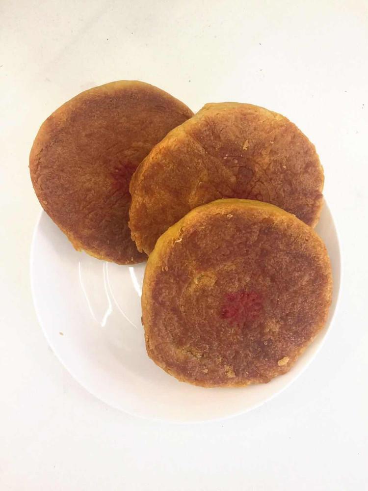 内蒙古特色月饼|没馅儿的实心内蒙月饼,你吃过吗?图1