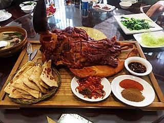 胸有成竹1966的天津特色美食 熏牛头肉和虾酱炒八带鱼