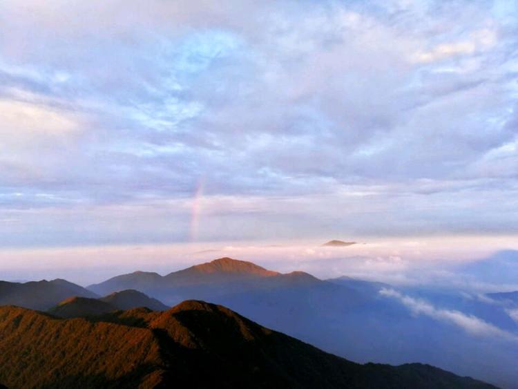 华南第一峰,有木有大片的感觉😄,4点起床看日出,美丽冻人图5