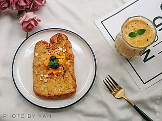 燕儿HKY的今份早餐轻松搞定! 法式土司~蓝莓芒果奶昔