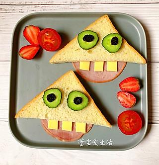 蕾宝爱生活的呲牙三明治🥪