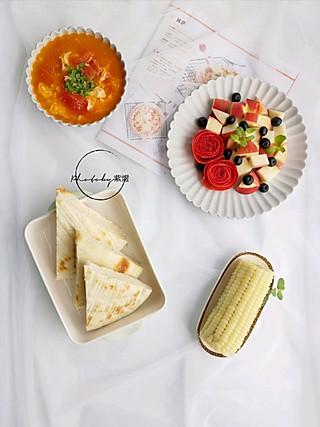 紫煜_zy的【早餐】烙发面饼、番茄蛋汤、煮玉米、蜜桃
