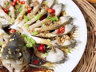 好吃的坨坨的百搭的蒜蓉酱汁~配蒸鱼特别棒!