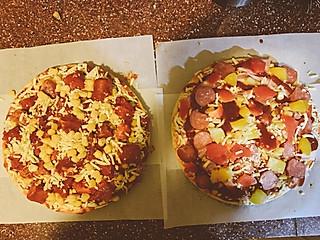 妮妮VV的烤肉披萨and培根披萨