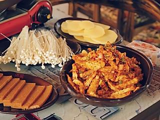 """妙周的一直特别想吃贵州的小吃""""烙锅"""",在天津居然就有很正宗的!"""