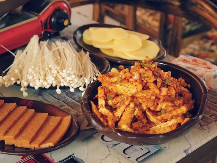 """一直特别想吃贵州的小吃""""烙锅"""",在天津居然就有很正宗的!图1"""