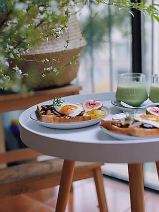 美小敏的开发式香煎松茸鸡蛋&水果拼