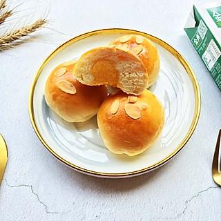 花开NA的声音的咸蛋黄流沙小餐包