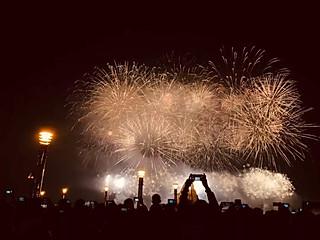 石头妈1的热烈庆祝日照建市30年焰火晚会
