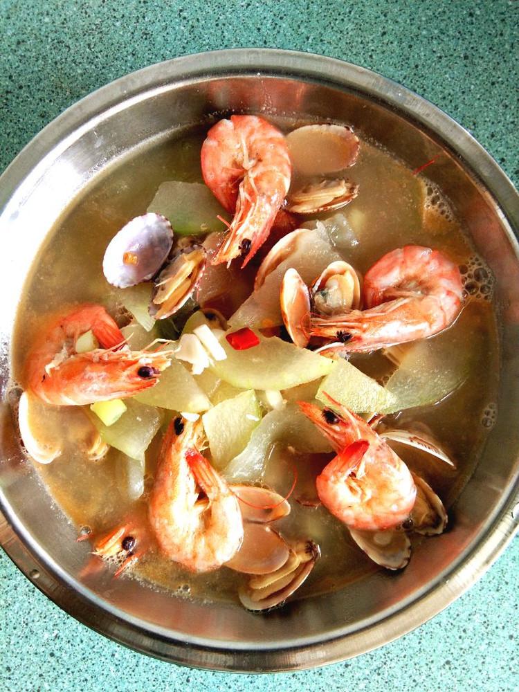 海鲜炖冬瓜、三色凉皮(买的)、焖鲅鱼、鲜蛤图2