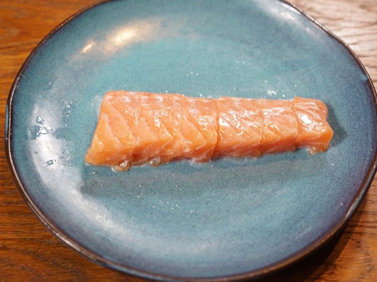 减肥,七分靠吃三分靠运动。今天来一道清新三文鱼沙拉图3