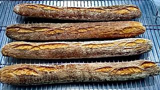 麦农烘焙工作室的国产粉枯木纹法棍