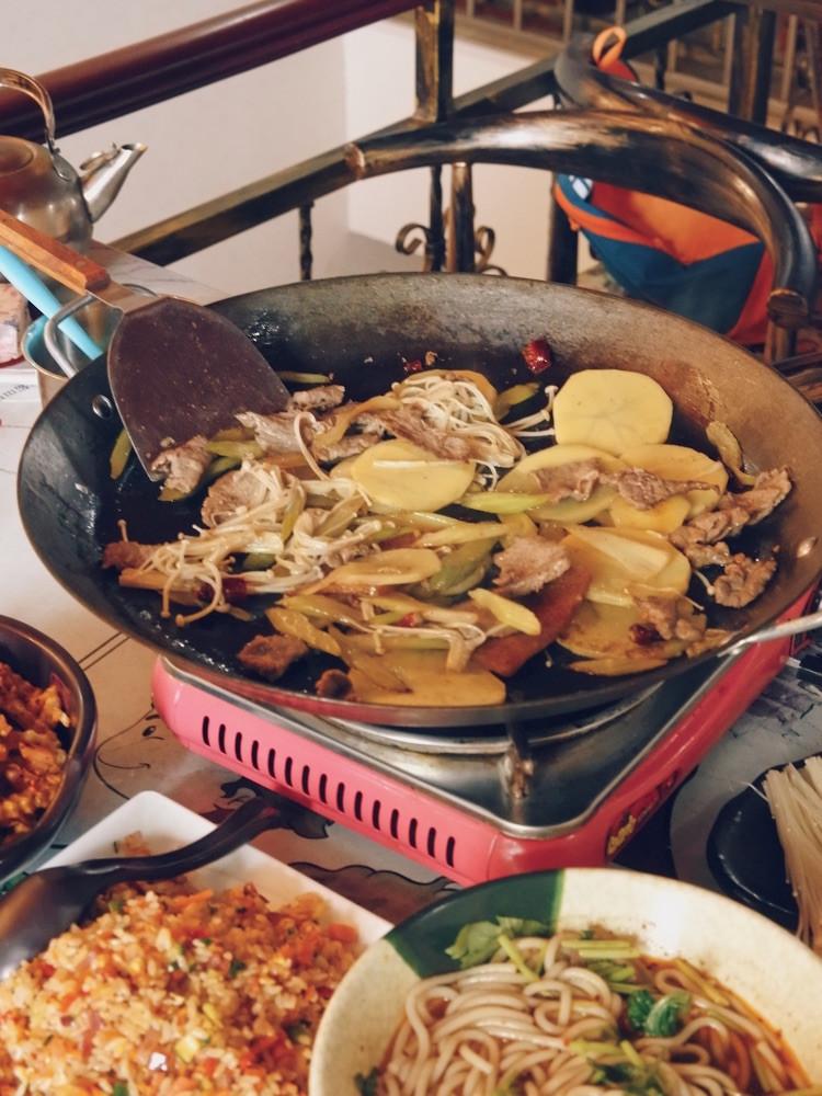 """一直特别想吃贵州的小吃""""烙锅"""",在天津居然就有很正宗的!图3"""