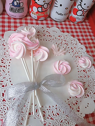 诺宝儿妈的迎接520,做一把玫瑰蛋白糖...  可以吃的玫瑰花喔…