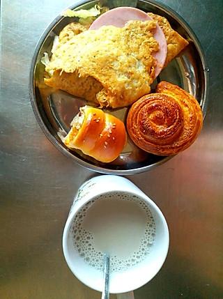 瑜儿儿妈咪的减肥的一日三餐,加餐:桃子+巧乐兹雪糕