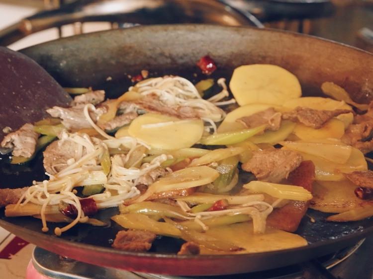 """一直特别想吃贵州的小吃""""烙锅"""",在天津居然就有很正宗的!图4"""