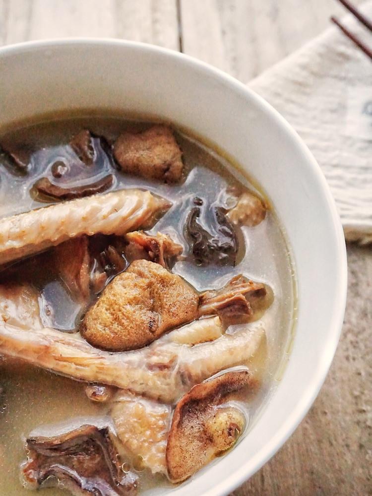 秋季养生汤小鸡炖山蘑,汤鲜肉嫩图2