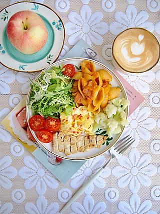 椛吃的一份营养早餐 不仅能让我们享受早餐时光 也能帮我们积蓄能量~