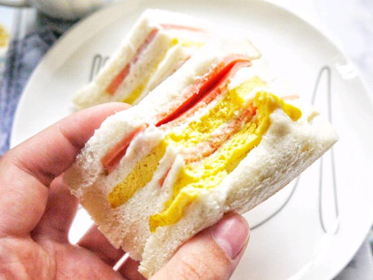 早安~~拿铁+火腿蛋三明治~~图3