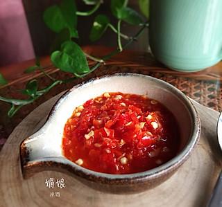 媚娘米酒的家里吃面条、饺子、馄饨、蒸菜必不可少自制的辣椒酱!