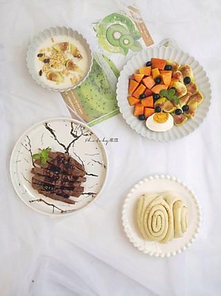 紫煜_zy的【早餐】花卷、牛排、咸蛋、酸奶、油桃、无花果