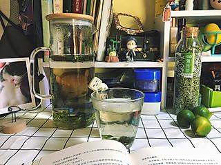 夏日午后一杯金桔薄荷茶