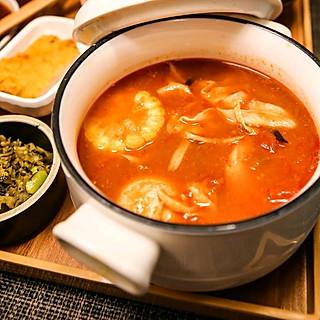月辉美食的番茄浓汤捞饭