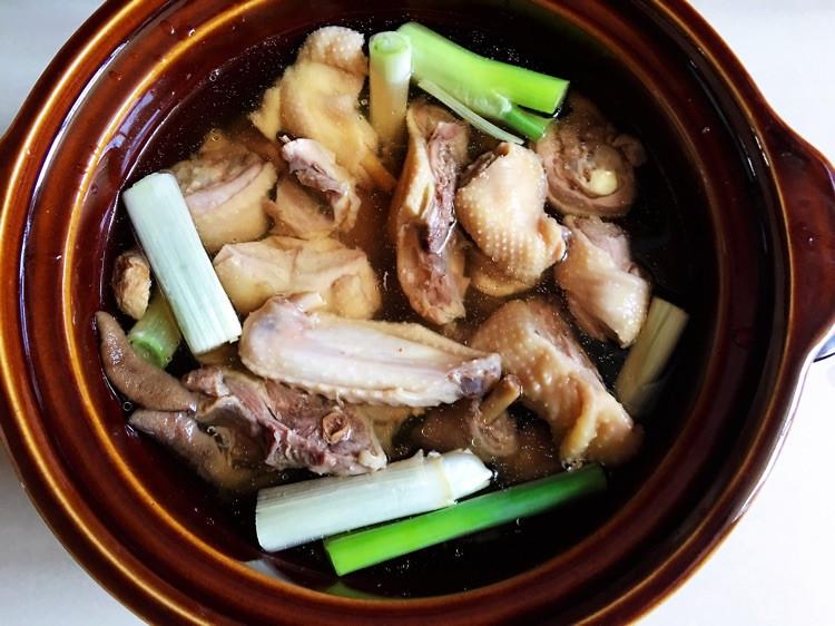 秋季养生汤小鸡炖山蘑,汤鲜肉嫩图6