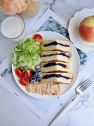 椛吃的这片吐司成精啦!让你爱上每个清晨,精力充沛迎接新的一天~