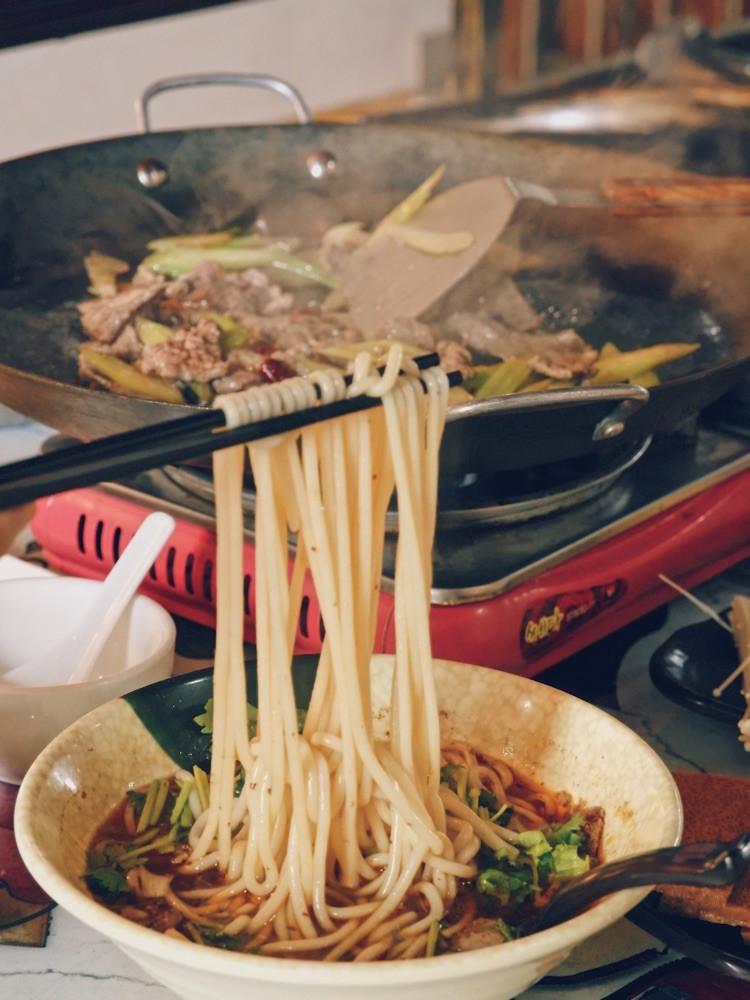 """一直特别想吃贵州的小吃""""烙锅"""",在天津居然就有很正宗的!图5"""