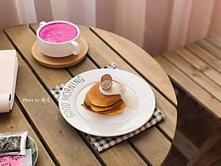 燕儿菇粮的🌸燕儿早餐集🌸今天做的松饼太好吃了,是加了酸奶的原因吗,特别柔软细腻
