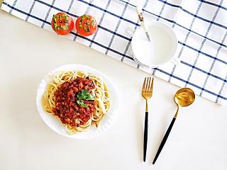 阿茶子-创意料理组的🍅吃不够的茄汁肉酱意面🍝