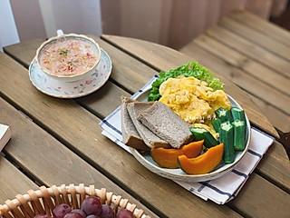 燕儿菇粮的🌸燕儿早餐集🌸最近的你有木有在期待我的早餐集呢?