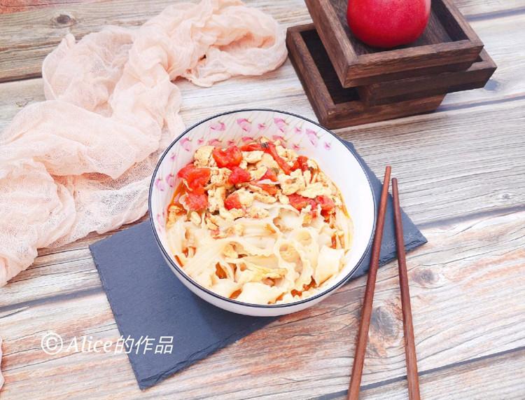 🍜简单营养快手的西红柿鸡蛋焖面,一日三餐来一碗🥢图2