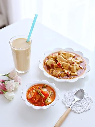 喵の早餐 | 香辣豆腐,比百元餐厅的好吃~