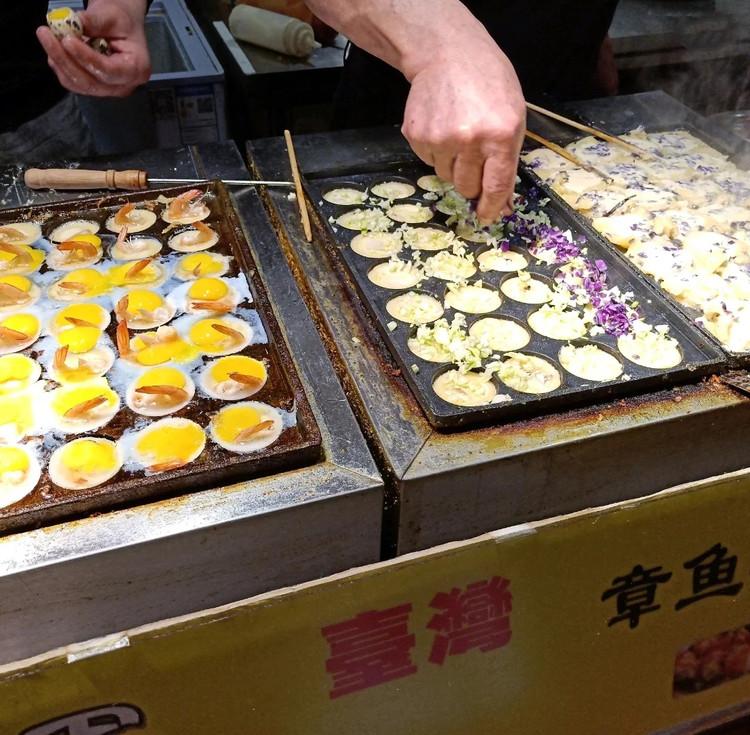 不用去台湾也能逛到正宗的台湾夜市啦~小吃的天堂!图4