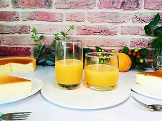 张小厨厨房的它可以补充维生素C、美白美容抗衰老,你喝了吗?鲜榨橙汁