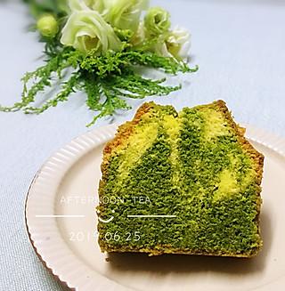 罗勒酱的抹茶大理石纹磅蛋糕~夏天的小清新😉