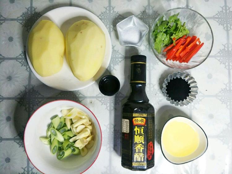 做酸爽脆口的醋溜土豆丝,一定要用恒顺香醋,这样制作酸爽脆口!图6