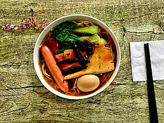 糖小田yuan的【半夜探了个小店】老城根牛肉板面🍜非常好吃的小店😋
